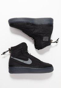 Nike Sportswear - AIR FORCE 1 - Sneakersy wysokie - black/dark grey - 3