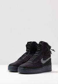 Nike Sportswear - AIR FORCE 1 - Sneakersy wysokie - black/dark grey - 4