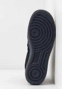 Nike Sportswear - AIR FORCE 1 - Sneakersy wysokie - black/dark grey - 6