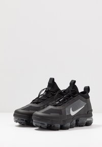 Nike Sportswear - AIR VAPORMAX 2019 UTILITY - Trainers - black/reflect silver/white - 4