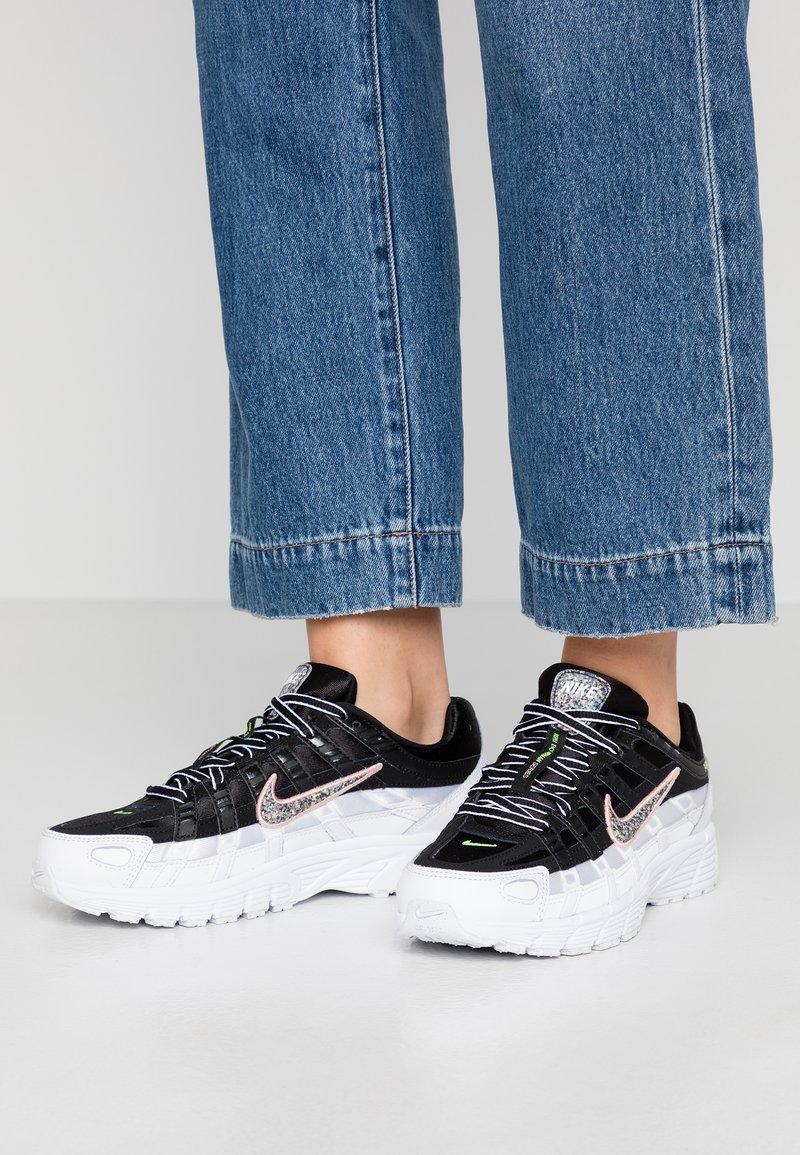 Nike Sportswear - P-6000 SE - Joggesko - black/multicolor/white/coral/stardust/volt