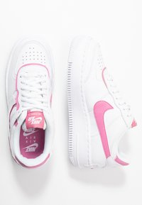 Nike Sportswear - AIR FORCE 1 SHADOW - Trainers - white/magic flamingo - 3