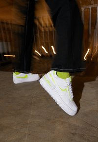 Nike Sportswear - AIR FORCE 1 SHADOW - Trainers - white/lemon - 4