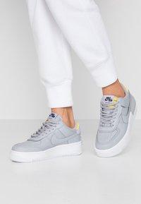 Nike Sportswear - AIR FORCE 1 SHADOW - Matalavartiset tennarit - wolf grey/chrome yellow/lavender mist - 0