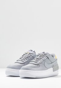 Nike Sportswear - AIR FORCE 1 SHADOW - Matalavartiset tennarit - wolf grey/chrome yellow/lavender mist - 4