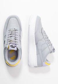 Nike Sportswear - AIR FORCE 1 SHADOW - Matalavartiset tennarit - wolf grey/chrome yellow/lavender mist - 3