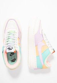 Nike Sportswear - AIR FORCE 1 SHADOW - Baskets basses - pale ivory/celestial gold/tropical twist - 5