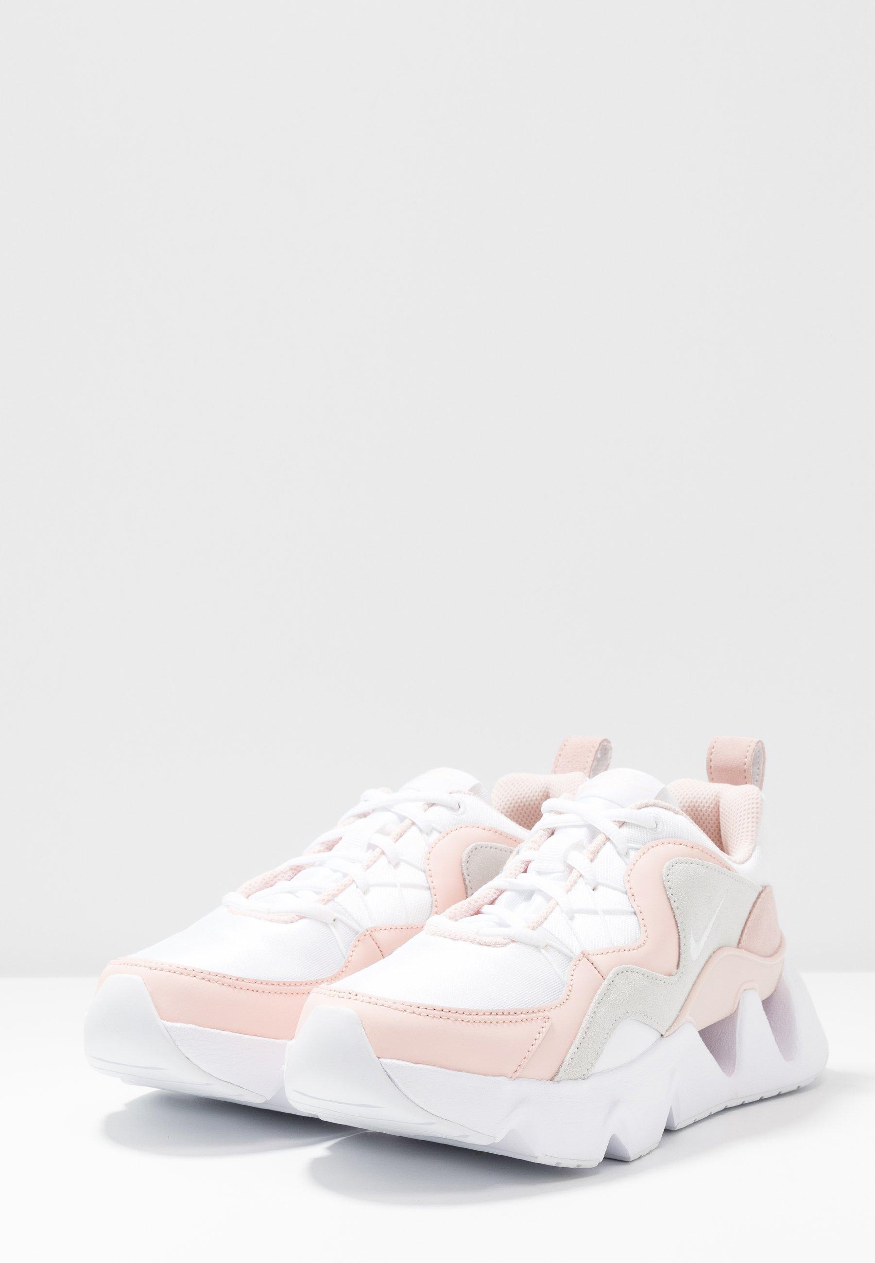 Nike Sportswear RYZ 365 - Sneakersy niskie - white/washed coral/summit white