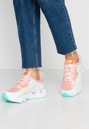 RYZ  - Sneakers - coral stardust/aurora green/phantom/summit white/amber rise