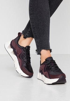 RYZ  - Sneaker low - off noir/burgundy ash/mahogany/phantom