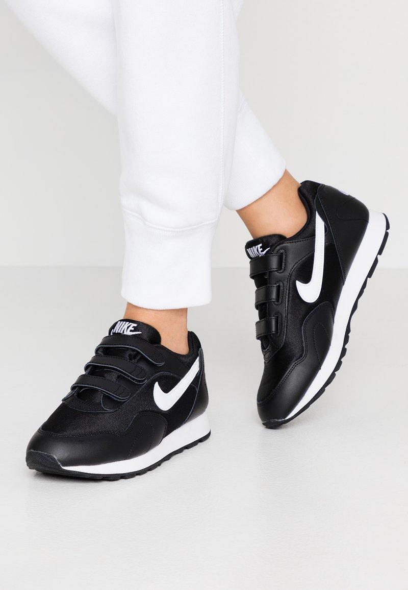 Nike Sportswear - OUTBURST - Baskets basses - black/white