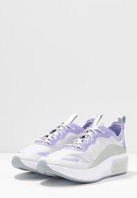 Nike Sportswear - AIR MAX DIA - Joggesko - vast grey/purple agate/metallic platinum/white - 4