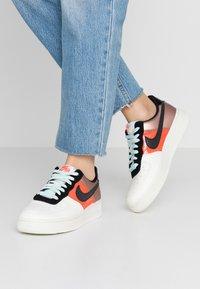 Nike Sportswear - AIR FORCE 1 - Sneaker low - metallic red bronze/black/teal tint/bright crimson/sail/night maroon - 0