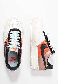 Nike Sportswear - AIR FORCE 1 - Sneaker low - metallic red bronze/black/teal tint/bright crimson/sail/night maroon - 3