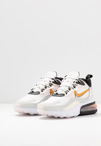 Nike Sportswear - AIR MAX 270 REACT - Tenisky - plum eclipse/wolf grey - 4