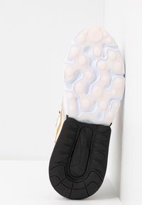 Nike Sportswear - AIR MAX 270 REACT - Tenisky - plum eclipse/wolf grey - 6