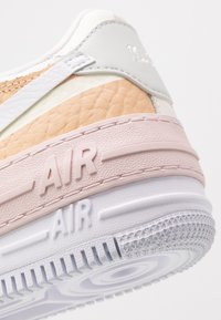 Nike Sportswear - AIR FORCE 1 SHADOW - Zapatillas - spruce aura/white/sail/black/barely rose - 5