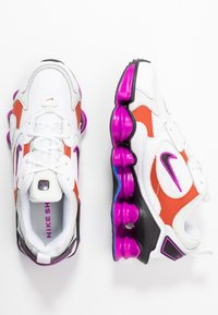 Nike Sportswear - SHOX TL NOVA - Zapatillas - white/black/hyper violet/racer blue/rust factor/spruce aura - 3