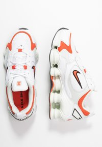 Nike Sportswear - SHOX TL NOVA - Trainers - white/team orange/spruce aura/black - 5