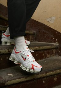 Nike Sportswear - SHOX TL NOVA - Trainers - white/team orange/spruce aura/black - 4