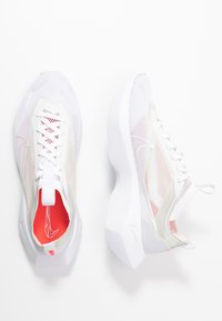 Nike Sportswear - VISTA LITE - Baskets basses - white/laser crimson/photon dust - 5