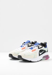 Nike Sportswear - AIR MAX 200 - Sneakersy niskie - fossil/white/black/pistachio frost/hyper blue/hyper crimson - 4
