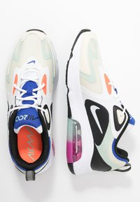 Nike Sportswear - AIR MAX 200 - Sneakersy niskie - fossil/white/black/pistachio frost/hyper blue/hyper crimson - 3