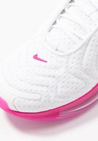 Nike Sportswear - AIR MAX 720 - Sneakersy niskie - white/fire pink/metallic silver/platinum tint - 2