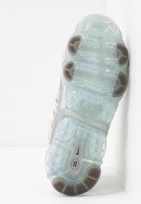 Nike Sportswear - NIKE AIR VAPORMAX 360 - Zapatillas - fossil/metallic silver/black/summit white - 6