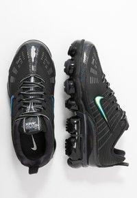 Nike Sportswear - NIKE AIR VAPORMAX 360 - Sneakersy niskie - black/anthracite/metallic dark grey - 3