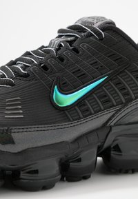 Nike Sportswear - NIKE AIR VAPORMAX 360 - Sneakersy niskie - black/anthracite/metallic dark grey - 2