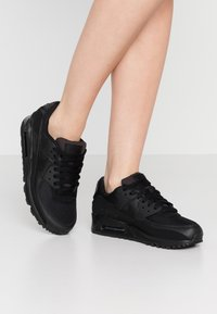 Nike Sportswear - AIR MAX 90 - Trainers - black - 0