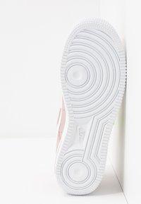 Nike Sportswear - AIR FORCE 1 - Matalavartiset tennarit - stone mauve/white/vivid purple/lemon - 6