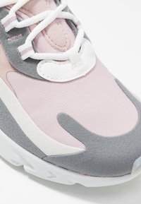 Nike Sportswear - AIR MAX 270 REACT - Trainers - plum chalk/summit white/stone mauve/smoke grey - 2