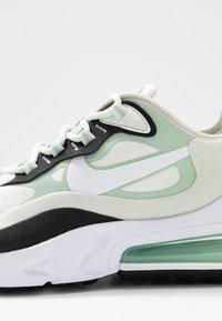 Nike Sportswear - AIR MAX 270 REACT - Zapatillas - spruce aura/white/pistachio frost/black - 2