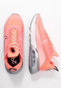 Nike Sportswear - AIR MAX 2090 - Sneakers laag - lava glow/black/flash crimson/vapor green/glacier ice/metallic silver - 1