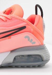 Nike Sportswear - AIR MAX 2090 - Sneakers laag - lava glow/black/flash crimson/vapor green/glacier ice/metallic silver - 5