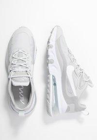 Nike Sportswear - AIR MAX 270 REACT - Trainers - grey fog/white/light smoke grey - 3