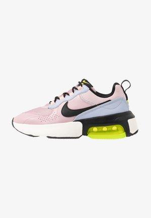 AIR MAX VERONA - Sneakers laag - plum chalk/black/ghost/oracle pink