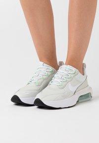 Nike Sportswear - AIR MAX VERONA - Trainers - jade aura/white/platinum tint - 0