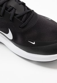 Nike Sportswear - AIR MAX DIA - Sneakers laag - black/white - 2
