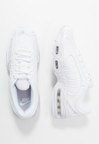 Nike Sportswear - AIR MAX TAILWIND - Trainers - white/barely grape - 3