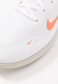 Nike Sportswear - AIR MAX DIA - Trainers - white/hyper crimson/pink foam/digital pink/light bone - 2
