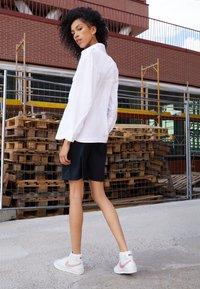 Nike Sportswear - BLAZER MID 77 - High-top trainers - white/atomic pink - 1