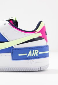 Nike Sportswear - AIR FORCE 1 SHADOW - Matalavartiset tennarit - white/barely volt/sapphire/fire pink/blackened blue - 2