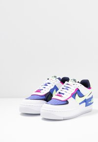 Nike Sportswear - AIR FORCE 1 SHADOW - Matalavartiset tennarit - white/barely volt/sapphire/fire pink/blackened blue - 4