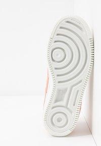 Nike Sportswear - AIR FORCE 1 SHADOW - Matalavartiset tennarit - summit white/pink quartz/washed coral - 6