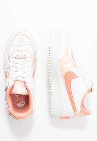 Nike Sportswear - AIR FORCE 1 SHADOW - Matalavartiset tennarit - summit white/pink quartz/washed coral - 3