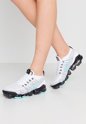 Trainers - white/aurora green/black/metallic silver