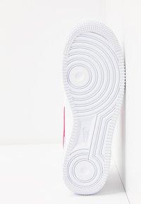 Nike Sportswear - AIR FORCE 1 - Matalavartiset tennarit - white/fire pink/hydrogen blue - 4